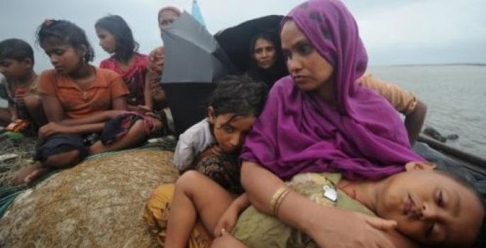 TRAGEDIA FRA MYANMAR E BANGLADESH: SI ROVESCIA UN BARCONE CON DECINE DI PROFUGHI ROHINGYA: MORTI DIVERSI BAMBINI
