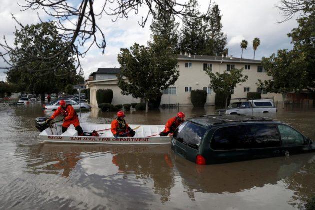 DOPO LE FIAMME LE INONDAZIONI: SUD DELLA CALIFORNIA DEVASTATO DA FANGO E FRANE: 13 MORTI