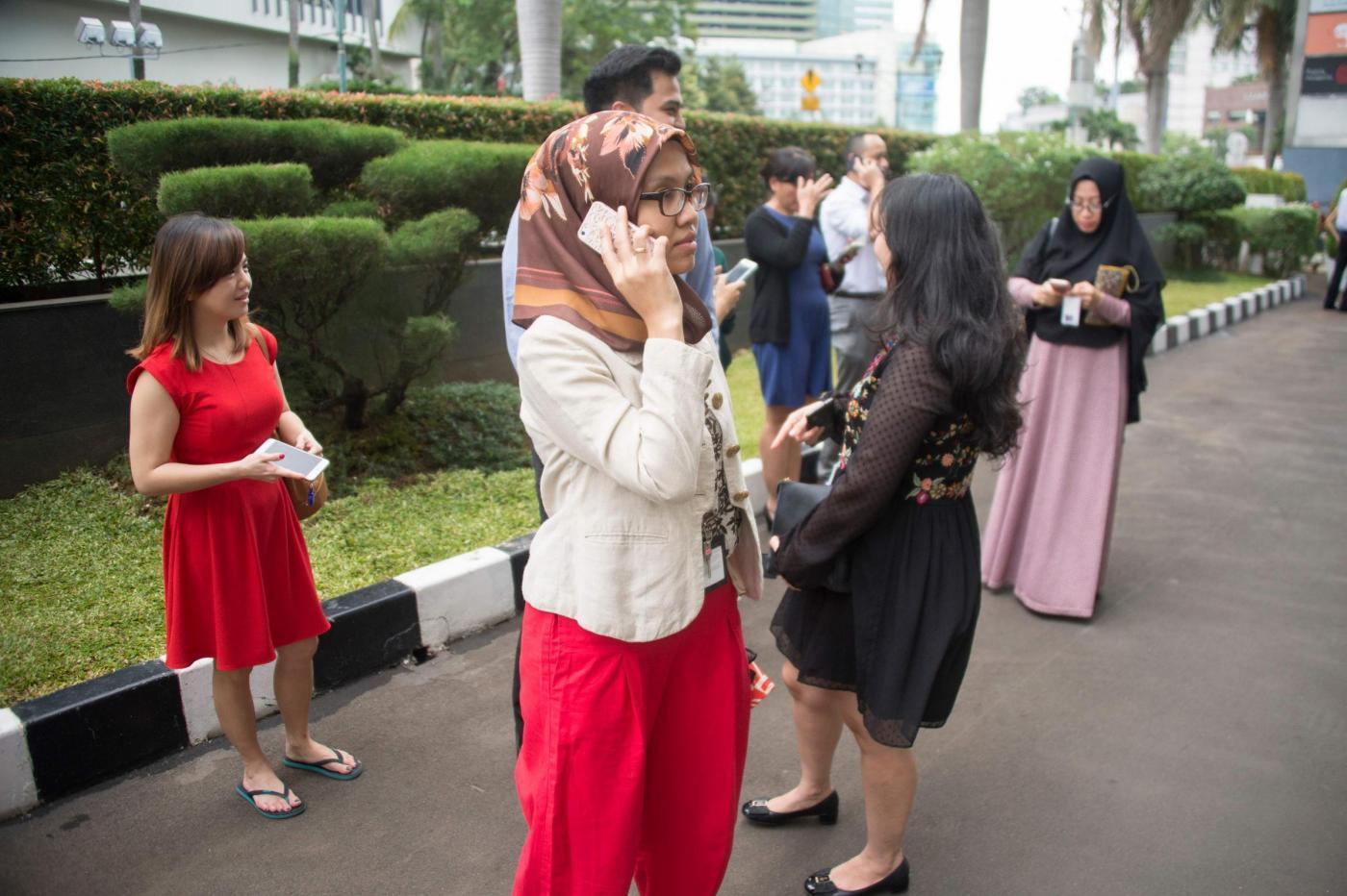 FORTI TERREMOTI SCUOTONO INDONESIA ED ALASKA. ERUZIONE IN GIAPPONE: UN MORTO E 10 FERITI