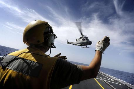 Cade elicottero Marina