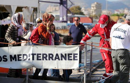 Migranti, 73 salvati davanti alla Libia