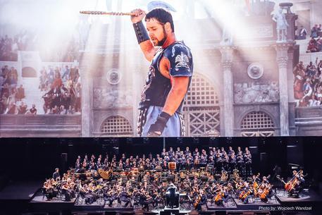 Crowe, al Colosseo per Gladiatore Live