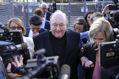 Pedofilia, arcivescovo condannato in Australia