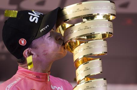Giro: trionfo Froome
