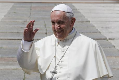 Migranti e clima nel colloquio tra Papa Francesco e Macron