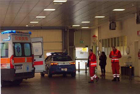 Roma, tenta di farsi investire da un treno, 50enne salvato dalla Polizia