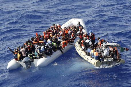 Nuova naufragio in Libia: 63 dispersi