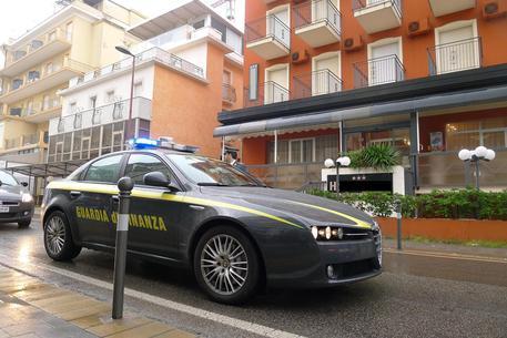 Roma, usura, estorsione e trasferimento fraudolento di beni: 9 arresti