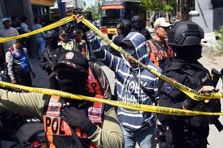 Traghetto arenato in Indonesia, 31 i morti e 3 dispersi