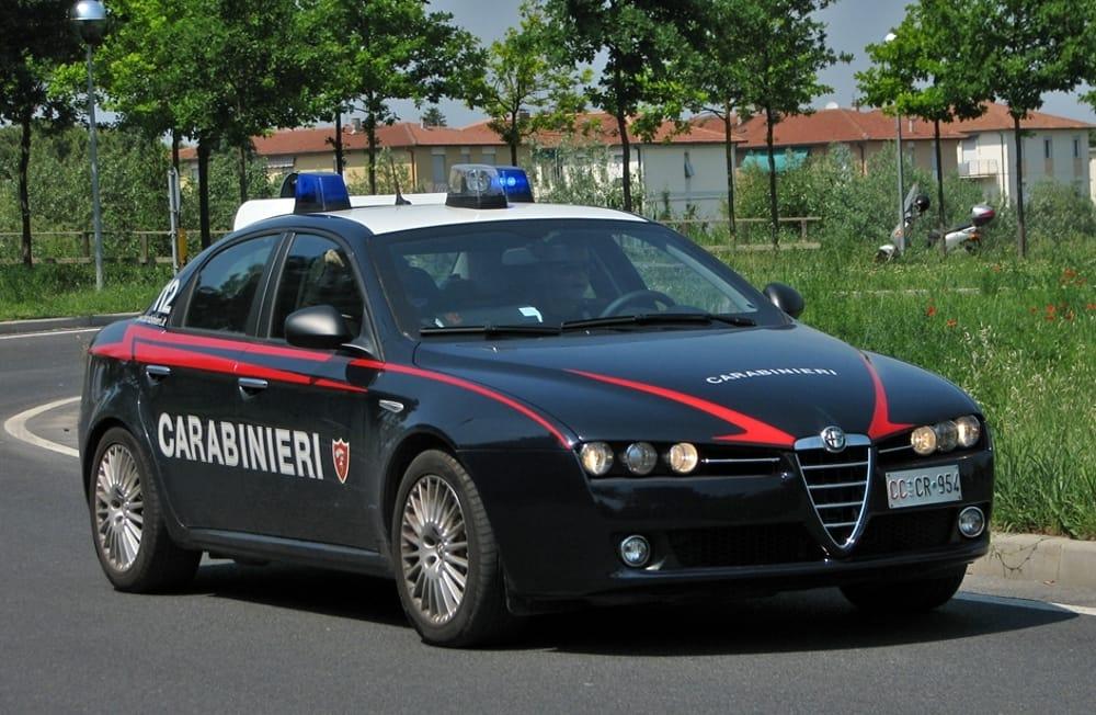 Eur, rubano da auto attrezzature della nazionale francese di sci: arrestati