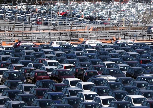 Inquinamento auto: il Parlamento Ue punta al -40% dal 2030
