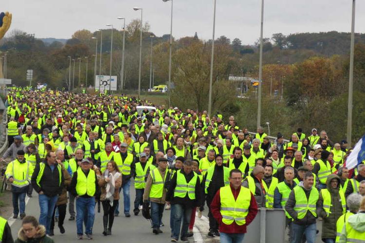 Gilet gialli, come Facebook ha alimentato la protesta