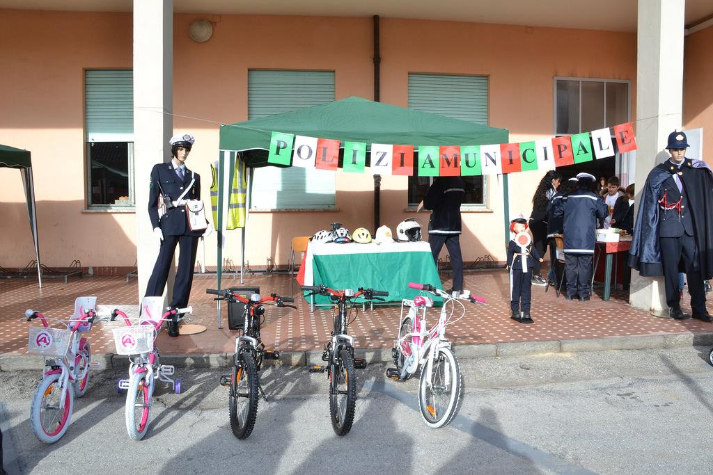 Educazione stradale, Sindaco Pomezia incontra studenti