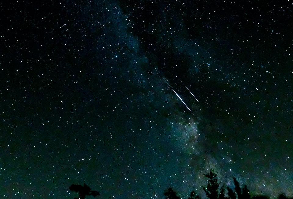 Ecco le Geminidi: come vedere le stelle cadenti d'inverno