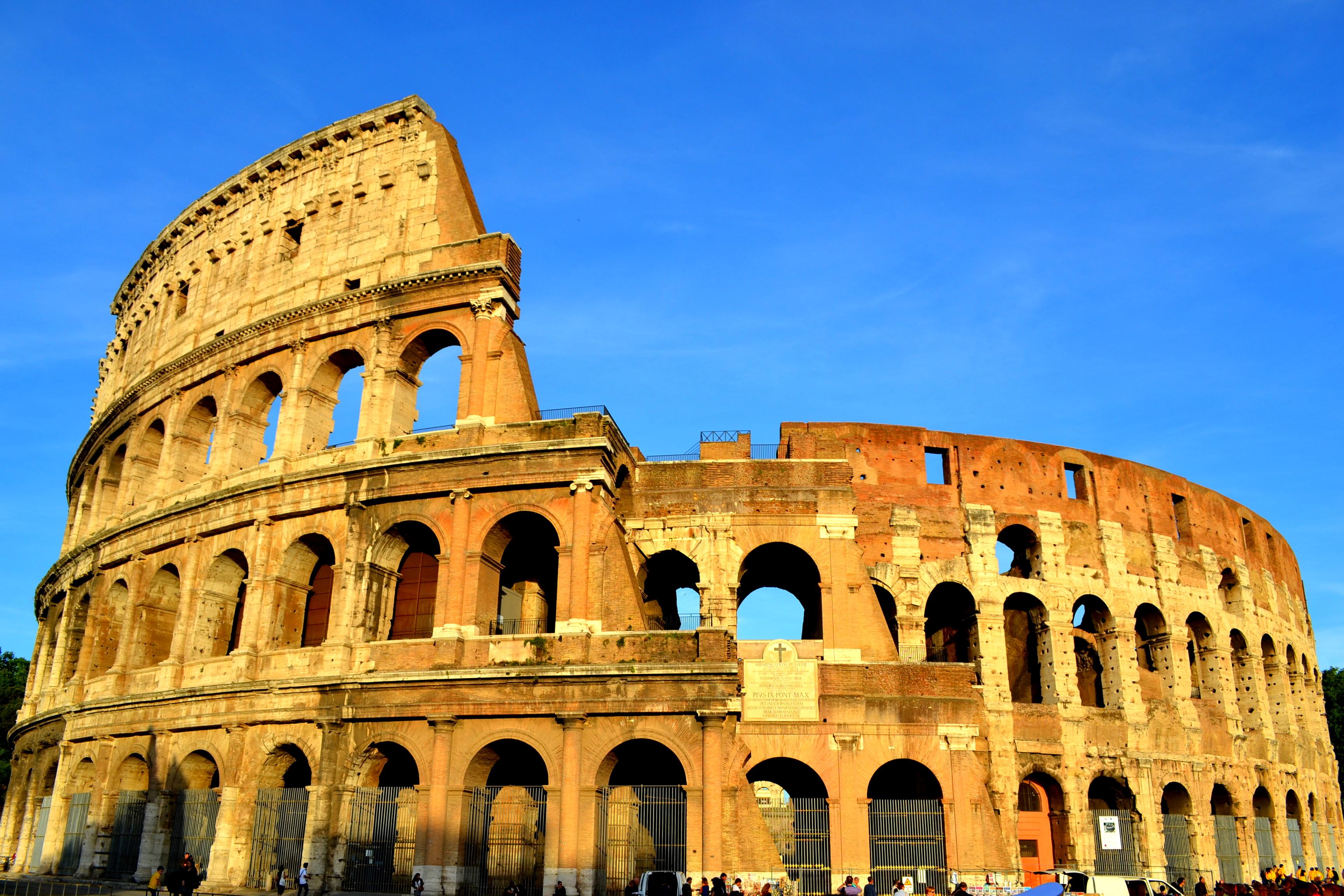 Roma, sotto Natale il piano antitruffe al Colosseo