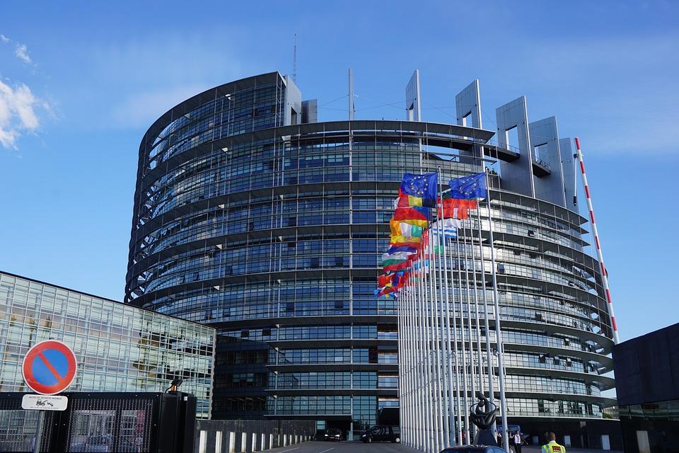 L'Unione Europea grazia l'Italia