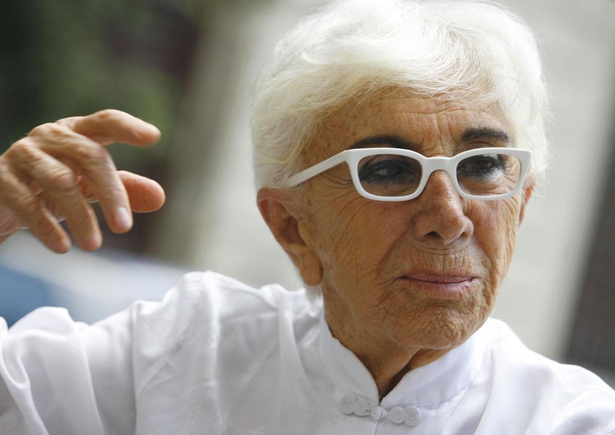 Lina Wertmuller e i suoi occhiali bianchi
