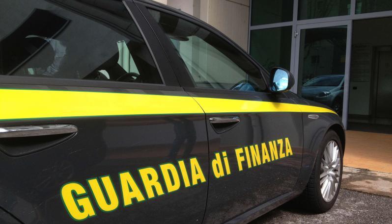 Catania, ambulanze illegali sequestrate dai finanzieri