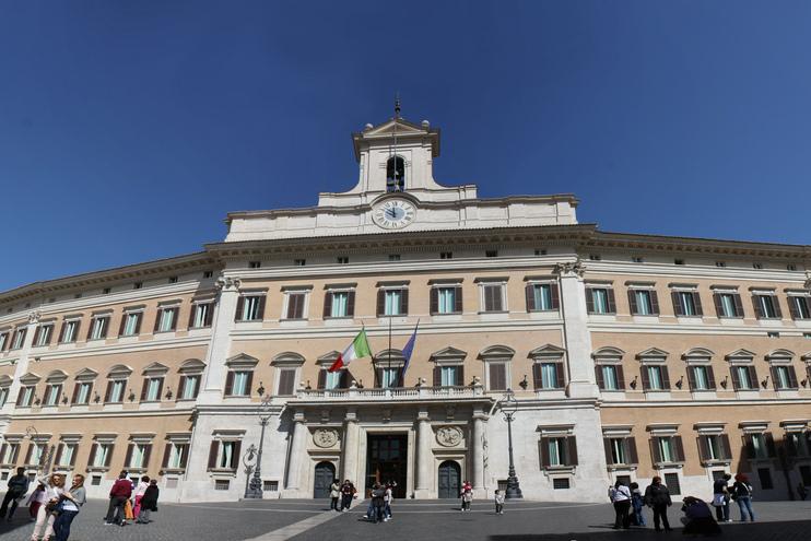 Decreto sicurezza, Salvini ai sindaci contrari: dimettetevi