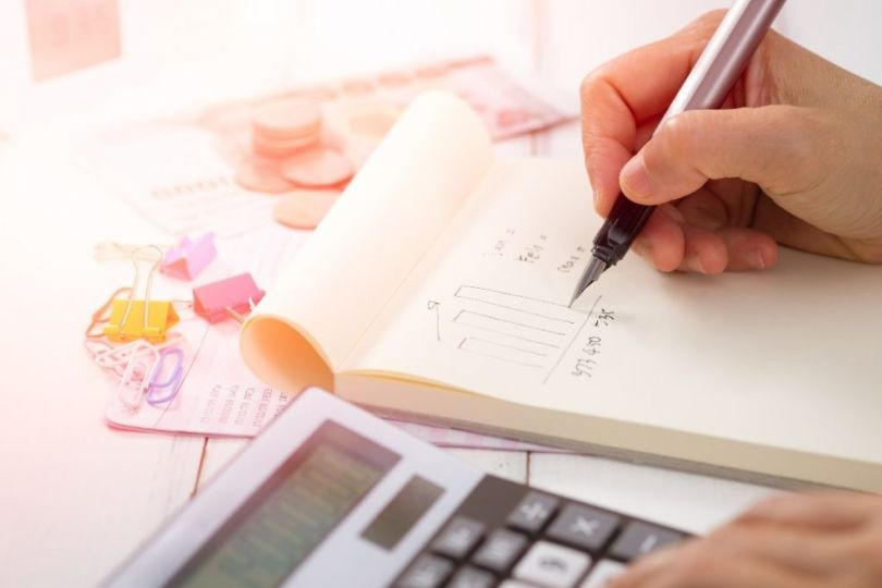 Istat, aumentano le tasse e le famiglie spendono meno
