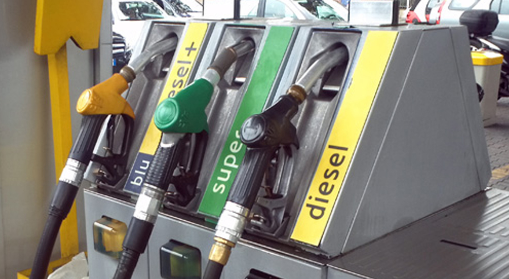 Distributori, tornano i rialzi per benzina e diesel
