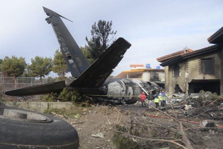 Tragico incidente aereo in Iran: morte 15 persone