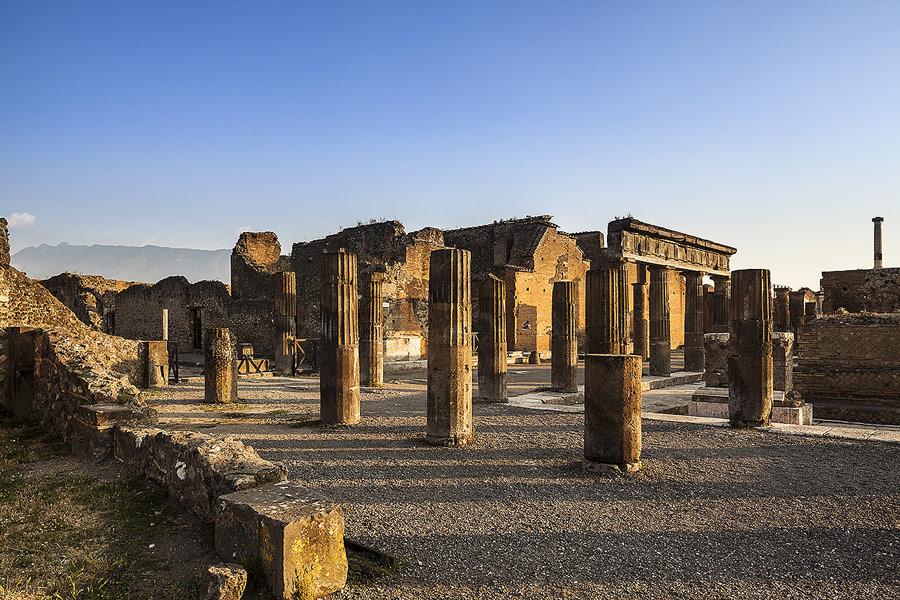 Pompei rinvenuti calchi di tre cavalli