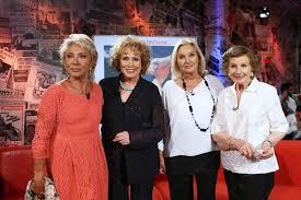 Le Signorine Buonasera omaggiano Nicoletta Orsomando
