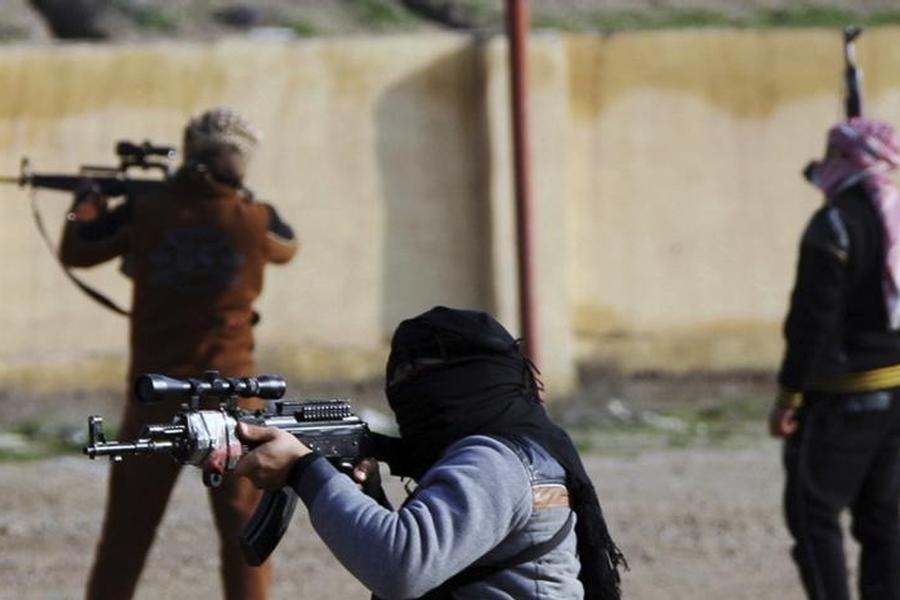 Terrorismo, monitorati più di 130 foreign fighters italiani