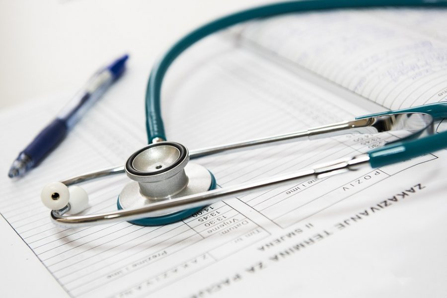 4,5 famiglie italiane riducono spese sanitarie