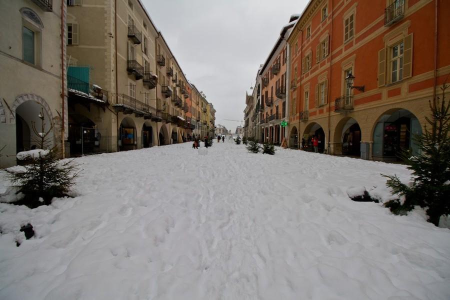 Neve a Roma tra allerta e speranza