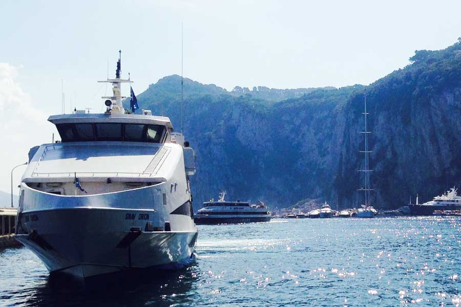 Olbia, scontro in porto tra traghetti