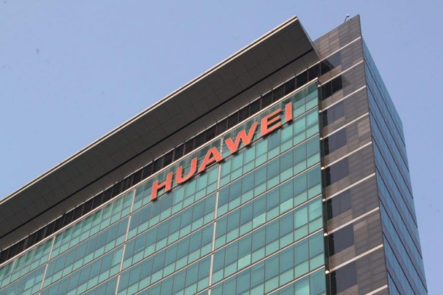 Huawei sotto accusa: frode e furto di segreti commerciali