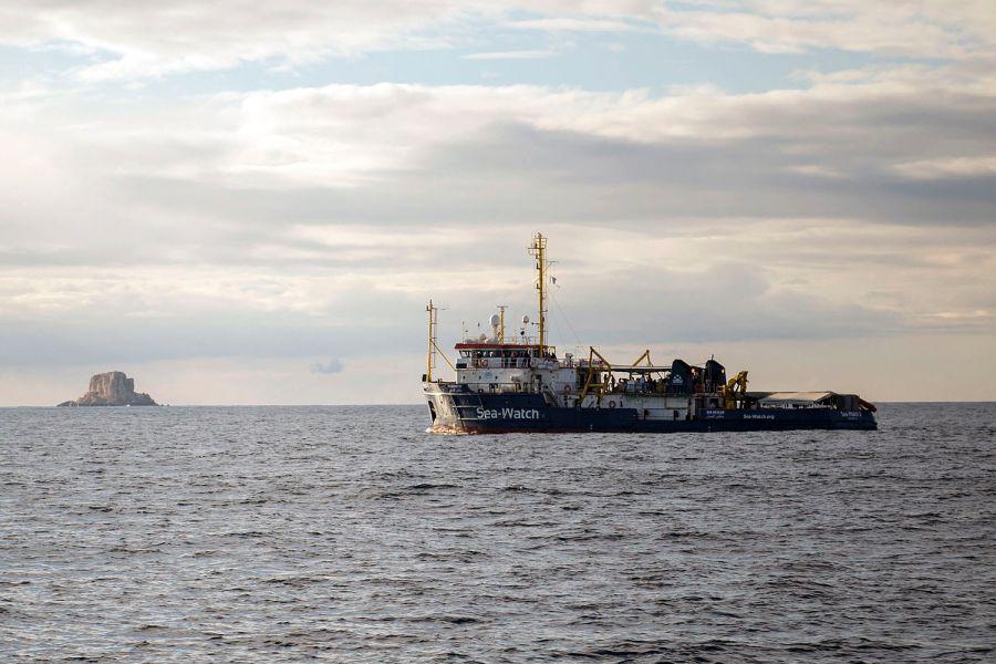 Sea Watch, il caso della staffetta parlamentari