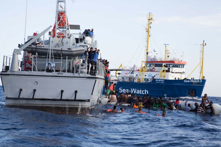 Sea Watch a Catania: ma rischia sequestro