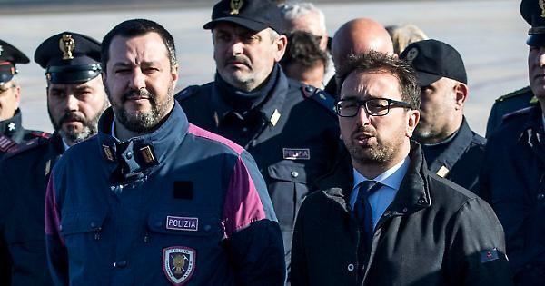 Archiviata denuncia contro Salvini e Bonafede
