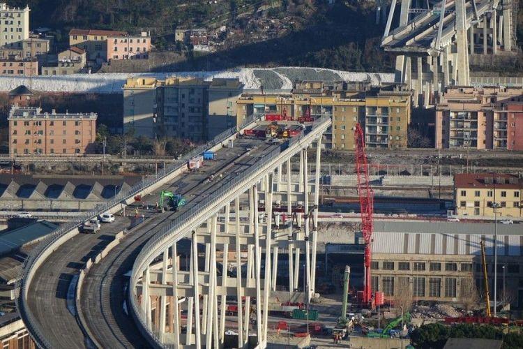 Genova: inizia la demolizione del Ponte Morandi