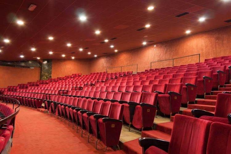 Sport e Mic: i vantaggi per andare a teatro