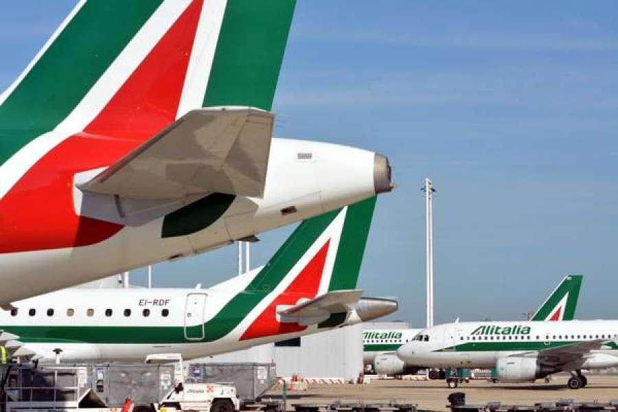 Di Maio: per Alitalia quota statale oltre il 50%