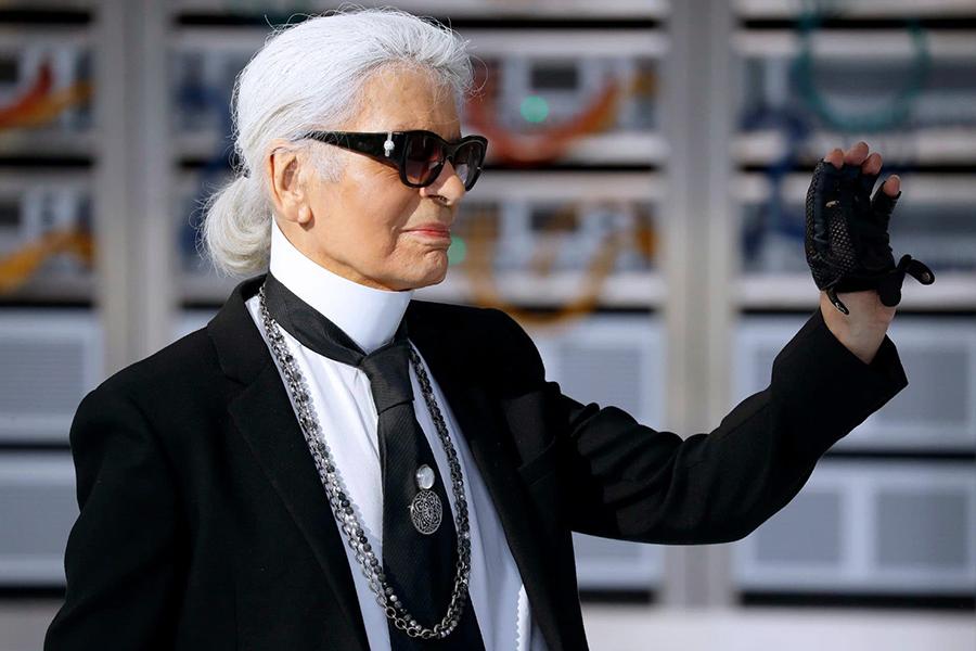 Addio a Karl Lagerfeld muore l'icona della moda