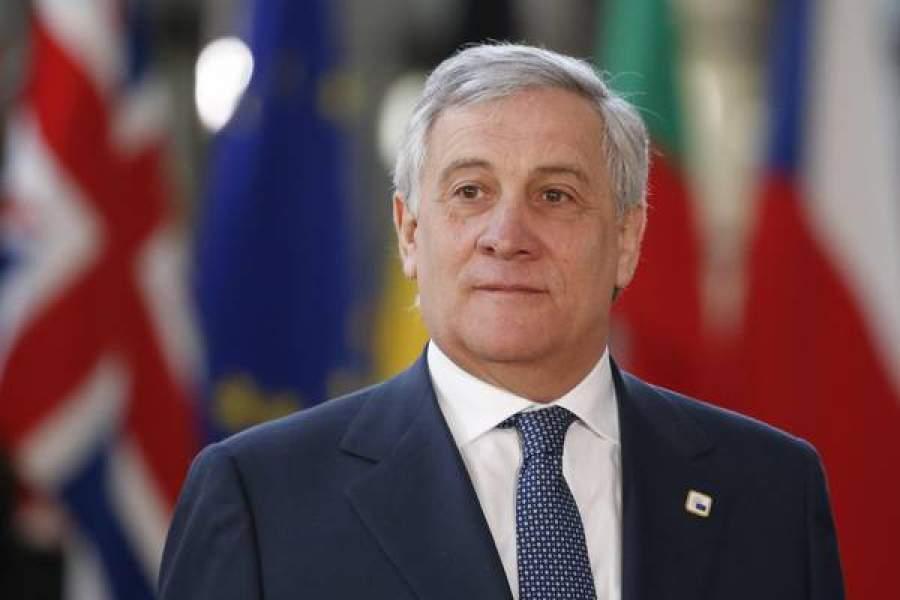 Tajani riabilita Mussolini poi si scusa