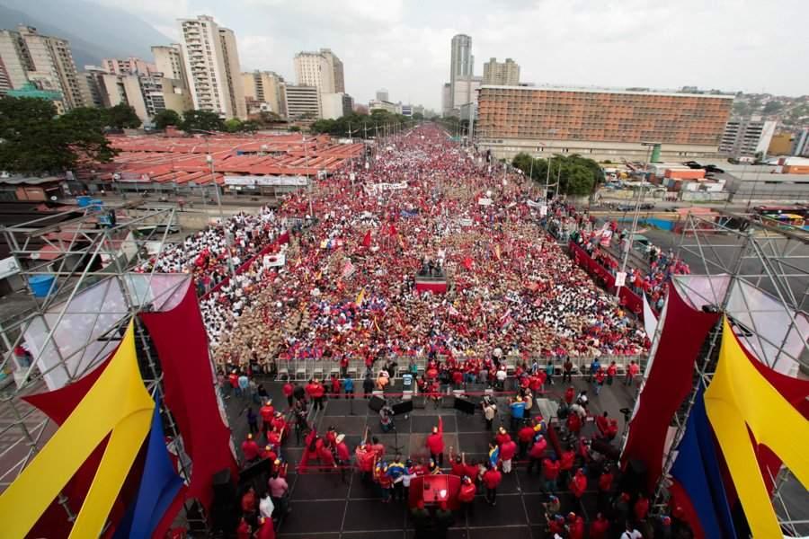 Venezuela termina il blackout: dipendenti pubblici al lavoro