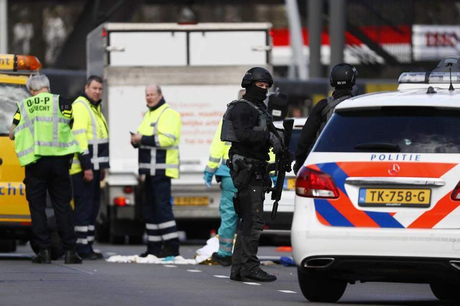 Utrecht spari su tram 3 morti: fermato Tanis