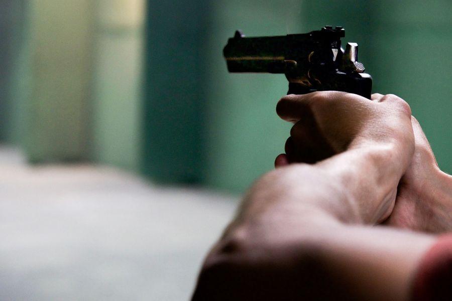 Agguato a colpi di pistola, paura a Milano