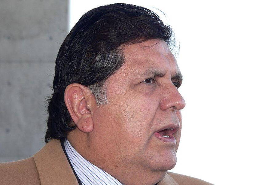 Perù: ex presidente Garcia in arresto, lui si spara