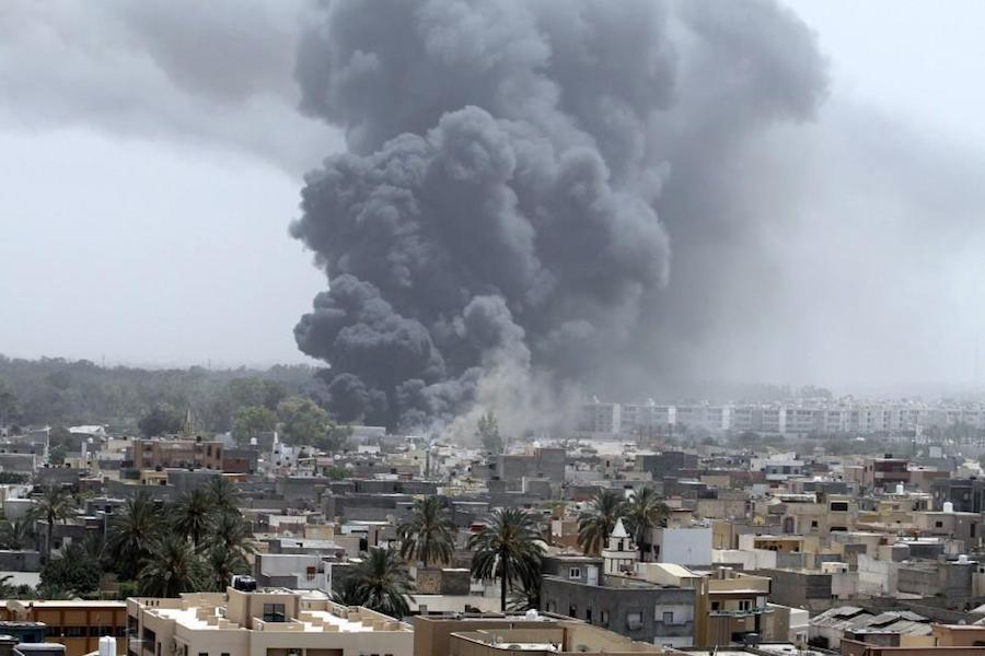 Guerra Libia, mandato d'arresto per Haftar