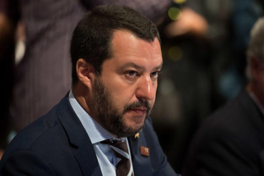 Salvini contro Raggi, è guerra aperta Lega-M5S