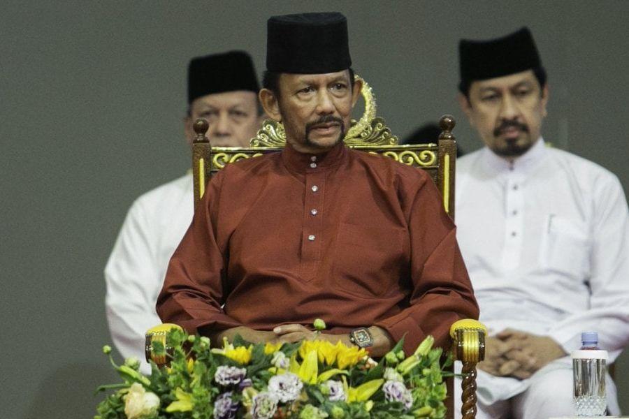 Brunei, lapidazione per i gay: il sultano scrive all'Ue