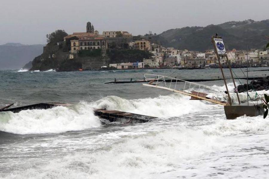Maltempo a Pasquetta, morto un turista francese