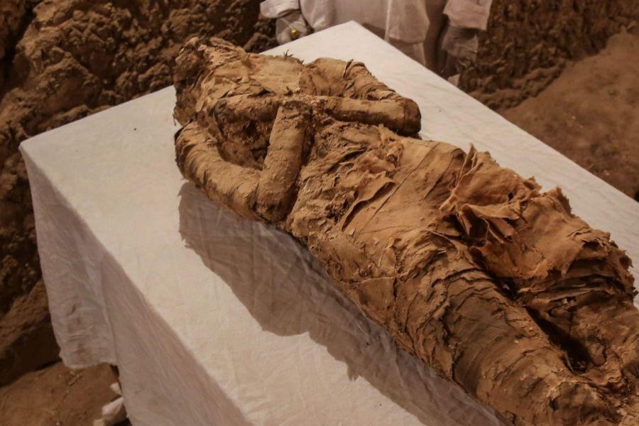 Egitto, emersa nuova necropoli con 35 mummie